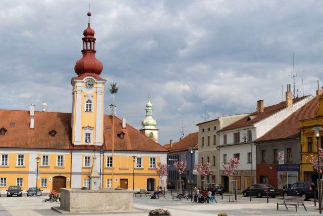 Kaplice, náměstí s radnicí (2015)