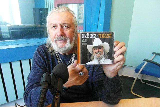 Country legenda Tomáš Linka ve studiu Českého rozhlasu Hradec Králové