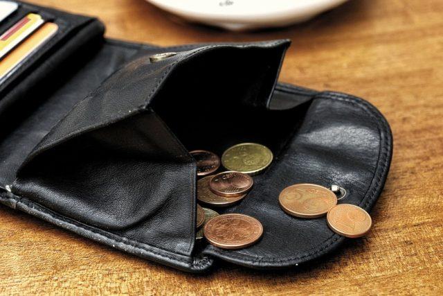 Tíživé situace dlužníků ještě zneužívají pochybné oddlužovací agentury. Ilustrační foto | foto: Fotobanka Pixabay