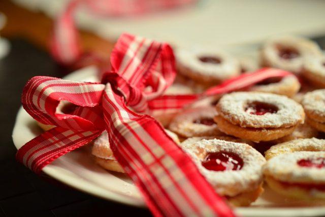 Cukroví, vánoce, mašle, dárek
