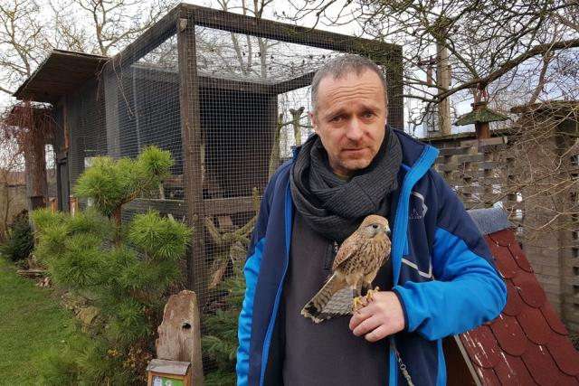 Záchranná stanice pro zvířata v Třeboni. Na snímku ředitel Nadačního fondu pro vydru Jan Nový