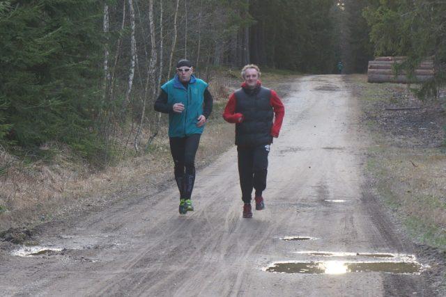 Zdeněk a Zbyněk se s pomocí Českého rozhlasu pokusí zvládnout svůj první půlmaraton. Jak se jim to jde při tréninku si poslechněte v dalším díle pořadu