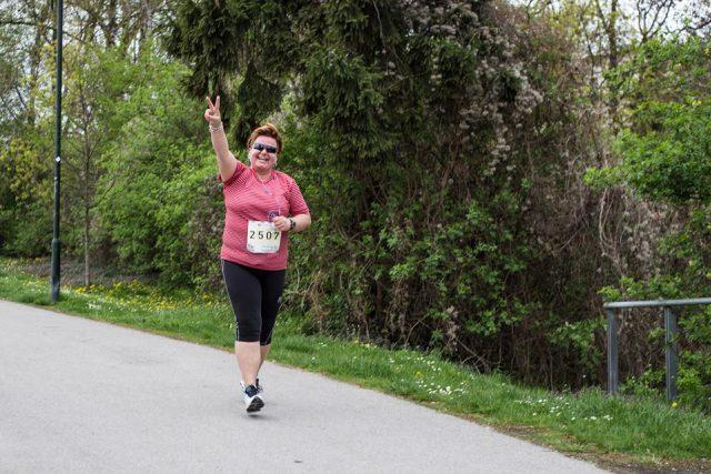 Alena zvládla závod na pět kilometrů. Další metou je půlmaraton
