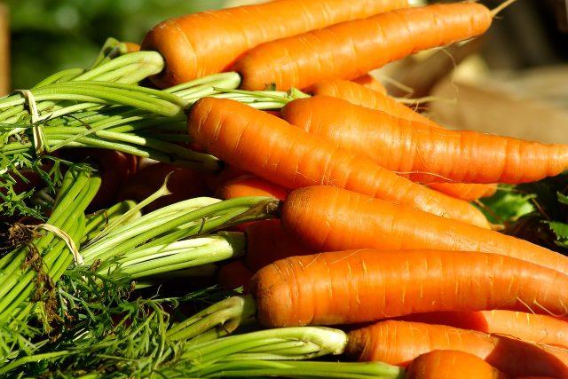 Mrkev, zelenina kořenová, oranžová