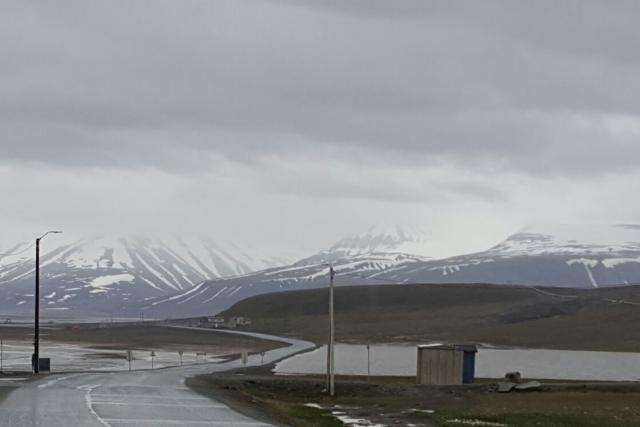 Po příletu Romany Lehmannové bylo vše, včetně ledovců zakrytí mraky, navíc hustě pršelo