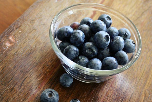 Borůvky, lesní ovoce, fialová