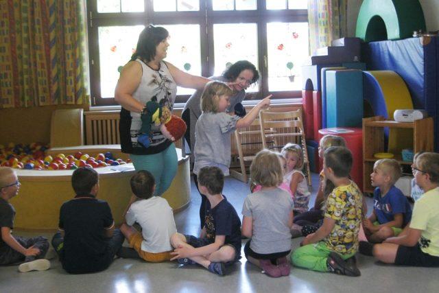 V rakouské příhraniční mateřské škole v obci Unserfrau se děti učí česky