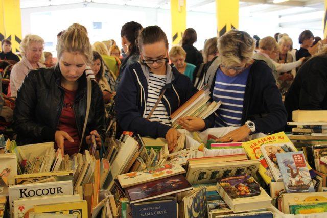 Na Kabelkovém veletrhu mohli lidé nově koupit i dětské knihy