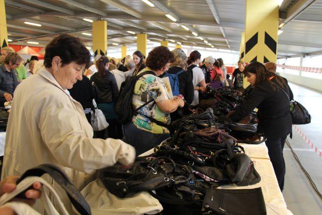 Na Kabelkovém veletrhu mohli lidé opět nakoupit za symbolické ceny a pomoci tak talentovaným dětem