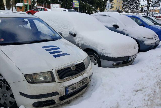 Povinnost očistit auto od sněhu a ledu přinesla řidičům novela silničního zákona
