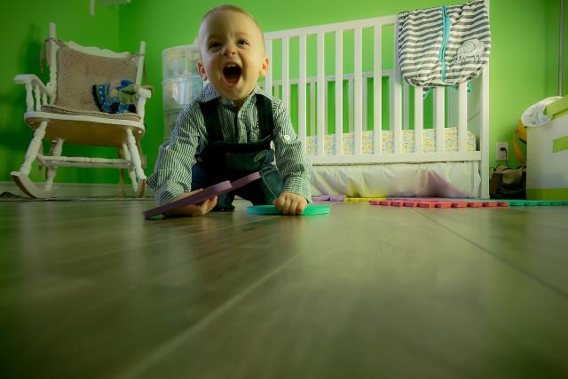 Dítě, hračka, hračky, hraní, batole, lřik