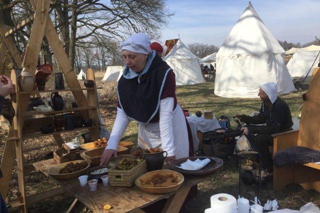 Jídlo ve středověké kuchyni připravovala Jana Kopáčová