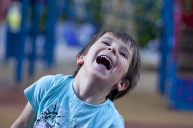 dítě, smích, veselé