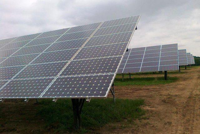 Solární elektrárny - ilustrační foto
