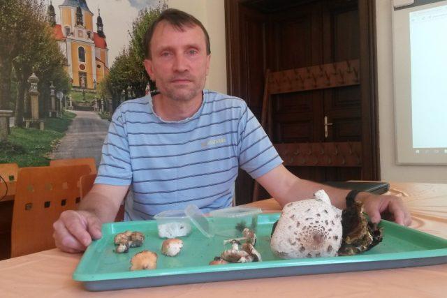 Mykolog Jihočeského muzea Miroslav Beran