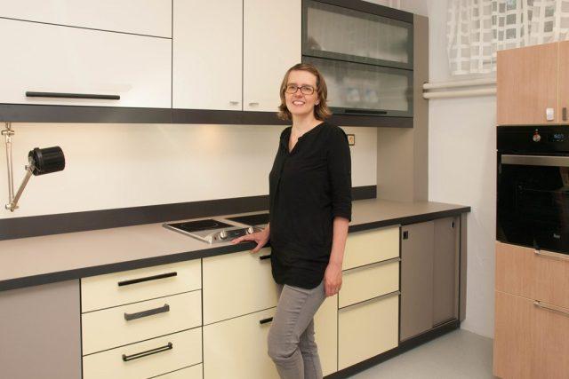 Celou kuchyň pro nevidomé a slabozraké navrhovala designérka Veronika Loušová