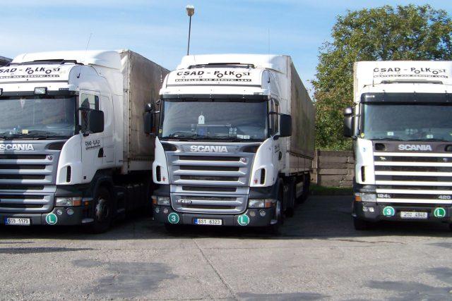 Parkující kamiony