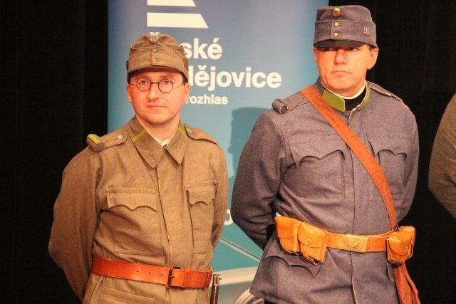 Živé natáčení pořadu Vltavín, který se věnoval období první světové války. Členové spolku Jednadevadesátníci přišli v uniformách rakousko-uherské armády
