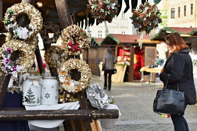 Adventní trhy na náměstí Přemysla Otakara II. v Českých Budějovicích