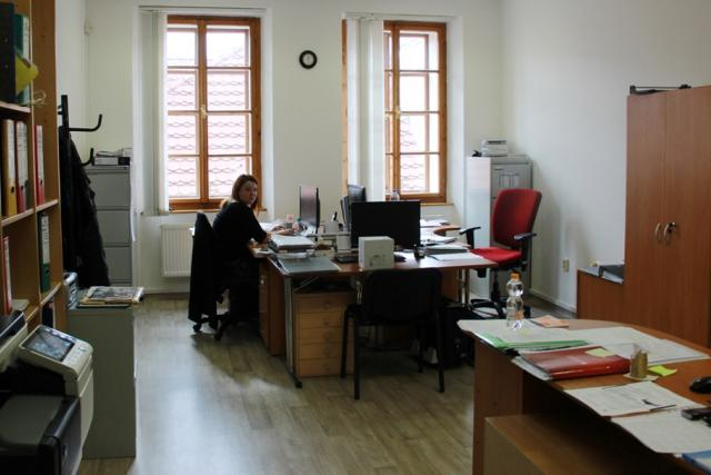 Kancelář v druhém patře nového sídla Diecézní charity České Budějovice
