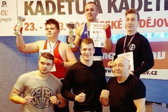 Boxerský klub Táty Němce v Českých Budějovicích hostil mistrovství republiky kadetů | foto: Kamil Jáša