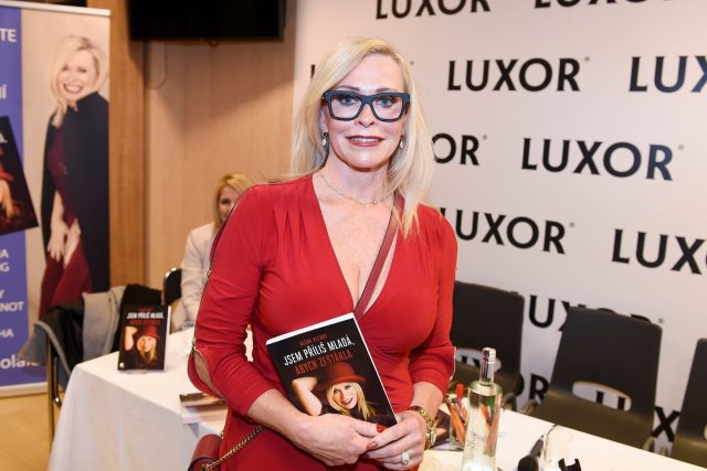 Alena Klenot představila svou knihu Jsem příliš mladá, abych zestárla. Je v ní prý mnoho tajemství, které pomohou ženám vypadat skvěle