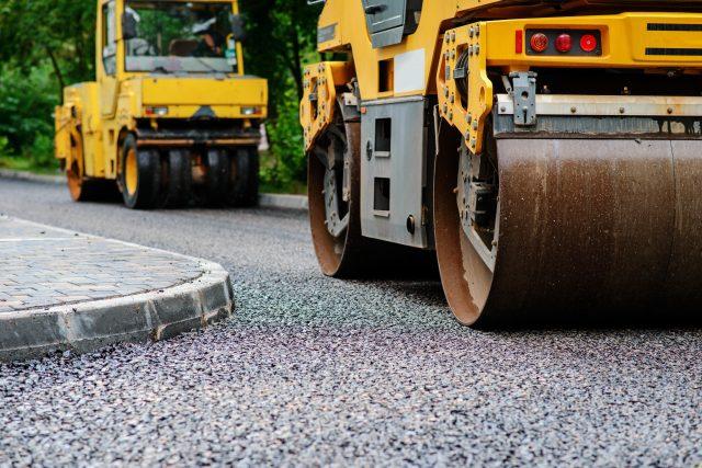 Pokládka asfaltu