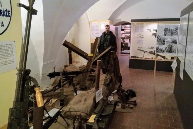 Muzeum československé armády na zámku v Jindřichově Hradci provozuje Miloslav Sviták