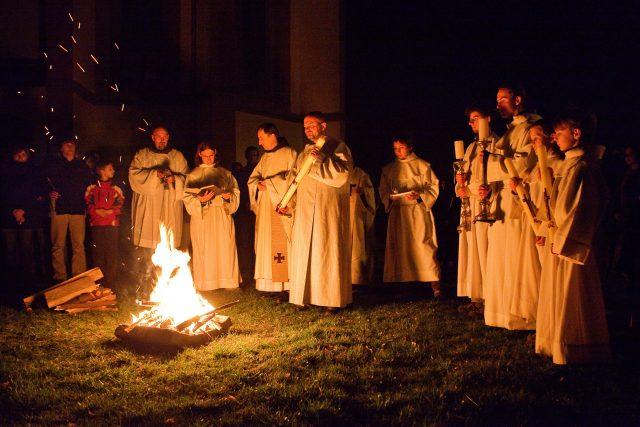 Velikonoční vigilie připomíná okamžik Ježíšova zmrtvýchvstání