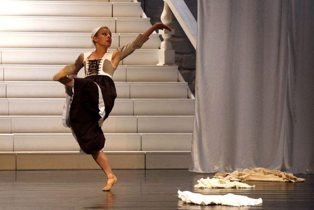 Naďa Kabelová v inscenaci Romeo a Julie v Jihočeském divadle | foto: Petr Zikmund,  Jihočeské divadlo