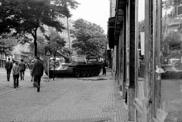 21. srpen 1968, okupace Československa, tank, Sovětská invaze