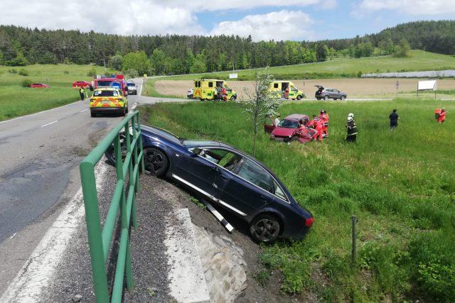 Dopravní policisté vyjížděli 27. května 2021 k dopravní nehodě mezi obcemi Malenice a Zlešice, kde se střetla dvě osobní vozidla.