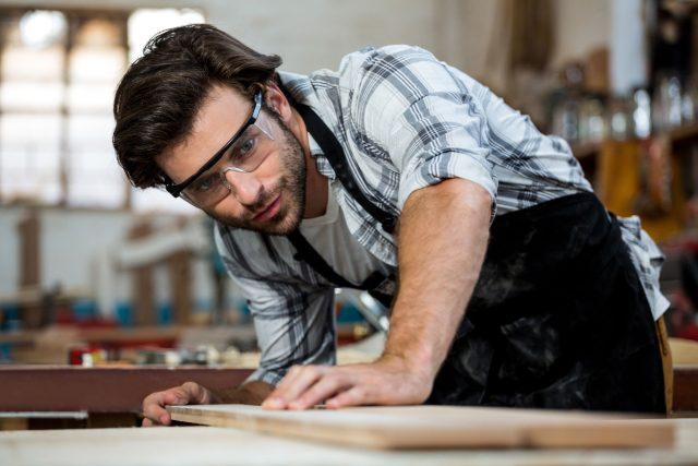 Tesař, truhlář, řemeslník