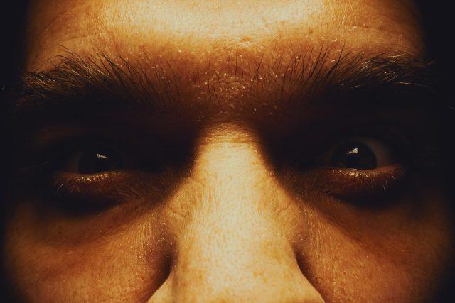 Nenávist, emoce, oči, strach. Ilustrační foto