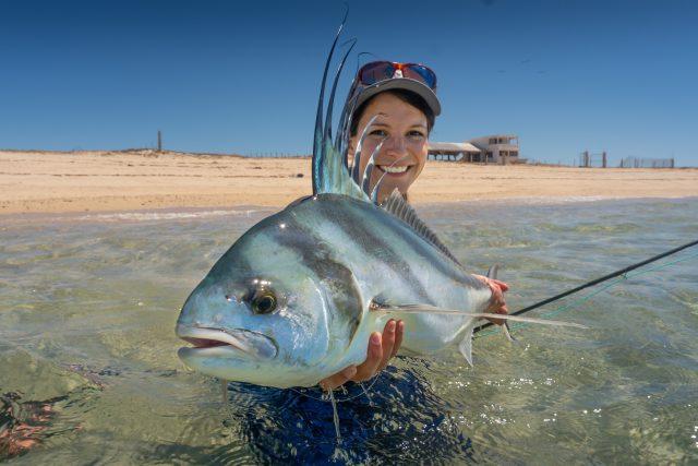 Rybářka Kateřina Švagrová a kohoutovec ulovený v Mexiku