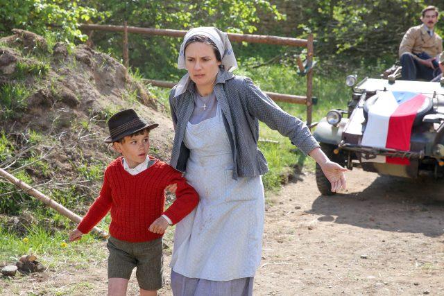 Natáčení filmu Krajina ve stínu Bohdana Slámy ve vesnici Bořice u Mirotic na Písecku