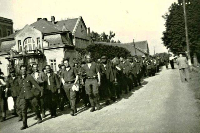 Odchod německých vojáků v roce 1945