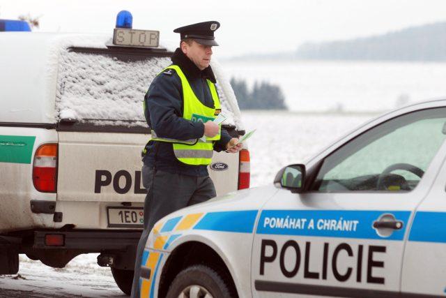 Dopravní policie, policista, hlídka, policejní kontrola. Ilustrační foto