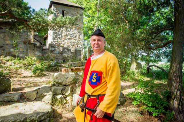 Jan Švec z Kváskovic na Strakonicku si postavil svůj hrad Švecburg   foto: Petr Lundák,  MAFRA / Profimedia