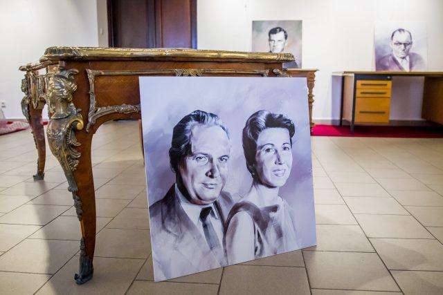 Prácheňské muzeum v Písku vystavuje psací stoly slavných osobností