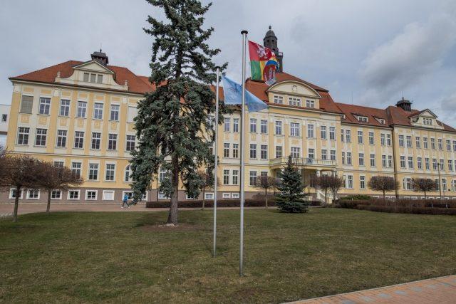 Dlouho nevyužívaná historická budova hned za vstupní branou v horním areálu českobudějovické nemocnice prošla rozsáhlou obnovou, aby mohla sloužit psychiatrickému oddělení