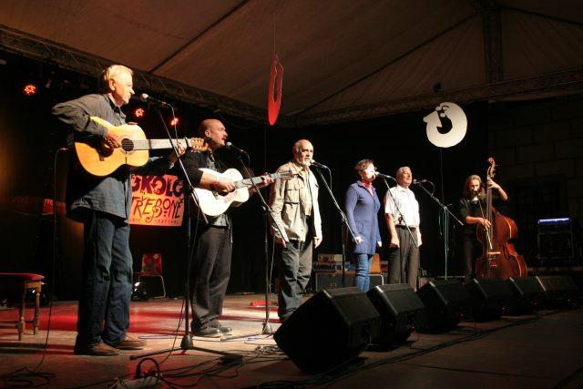 Spirituál kvintet na festivalu Okolo Třeboně v roce 2015