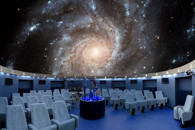 Zmodernizovaný promítací sál hvězdárny a planetária v Českých Budějovicích