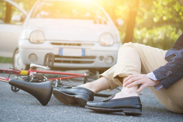 Nehoda, cyklista, automobil, srážka