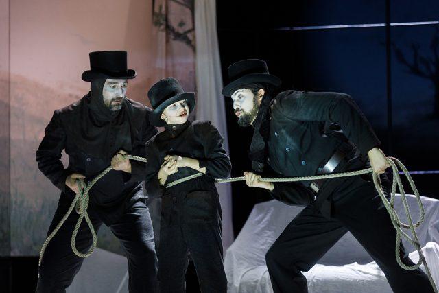 Jihočeské divadlo uvádí dětskou operu Kominíček Benjamina Brittena