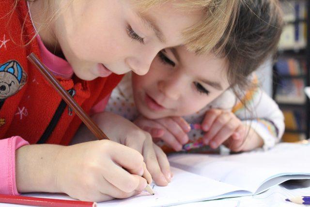 Děti ve škole (ilustrační foto)