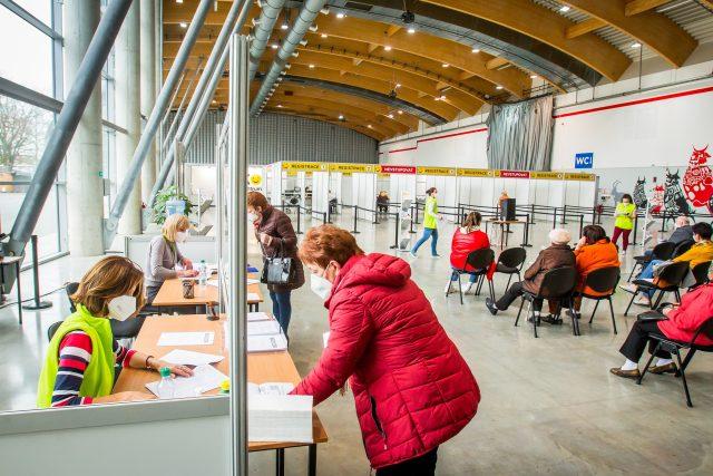 Očkovací centrum na českobudějovickém výstavišti ukončí provoz 30. září | foto: Petr Lundák,  MAFRA / Profimedia