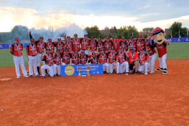 Česká softbalová reprezentace ovládla mistrovství Evropy,  které se konalo v Ledenicích a Sezimově Ústí | foto: Kamil Jáša,  Český rozhlas