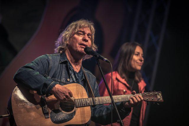 Pavel Žalman Lohonka při vystoupení s kapelou