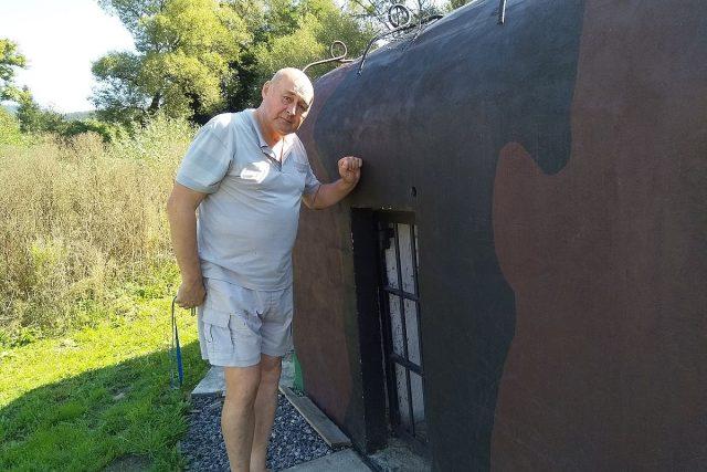Bohuslav Gruber si koupil bunkr,  který je součástí linie prvorepublikového opevnění z roku 1938 | foto: Zdeněk Zajíček,  Český rozhlas,  Český rozhlas